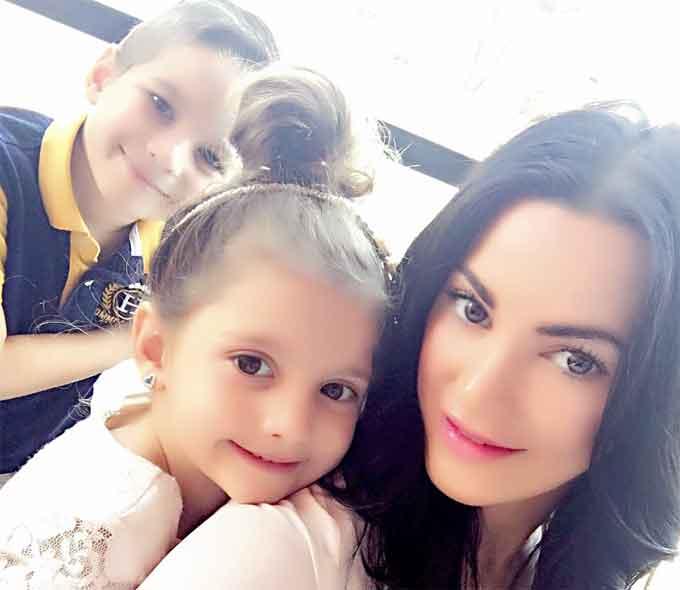 Krystal-Mitchell-with-her-children.jpg